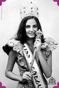 Carmen María Montiel.Miss Zulia 1984.MissVenezuela 1984. Miss Sudamérica 1984.2ª FinalistaMiss Universo 1984