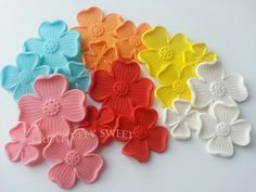 Dogwood Four Petals Flower Sugar Edible Gumpaste Fondant Cake Cupcake Cookies toppers by JECreativelySweet on Etsy