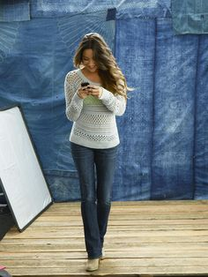 Shay in Skinny Kick AE Jeans! Can't wait to try them! Fall Outfits For School, Autumn Winter Fashion, Fall Fashion, Ae Jeans, Winter Gear, Soft Curls, Shay Mitchell, Pretty People, Photoshoot