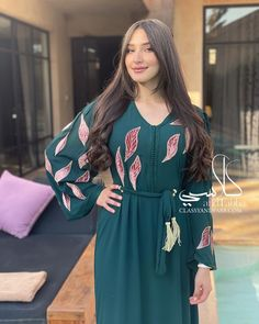Moroccan Caftan, Classy Dress, One And Only, Cold Shoulder Dress, Beautiful, Instagram, Dresses, Fashion, Caftan Marocain