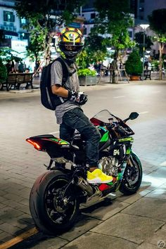 Vale with Yamaha R1 2015 More