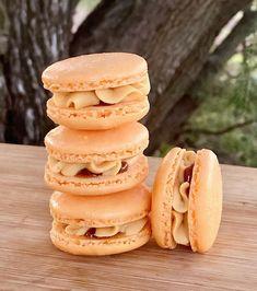"Hunter macarons on Instagram: ""Salted Caramel Macaron as far as the eye can see! 🤤🧡 Perfectly balance of sweet caramel and pink Himalayan salt for buttercream with a…"" Salted Caramel Macaron, Himalayan Pink Salt, Macarons, Doughnut, Sweets, Eye, Canning, Desserts, Instagram"