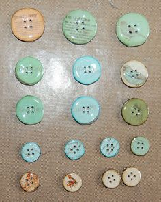 Izzwizz Creations: Decorating buttons with patterned papers and a card for Mum
