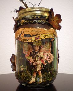 ❤️ Now THIS is a Fairy Jar👍🏻 I can DIY this with my own over-the-top ideas Mason Jars, Bottles And Jars, Mason Jar Crafts, Glass Bottles, Bottle Crafts, Altered Tins, Altered Bottles, Arts And Crafts, Shadow Box