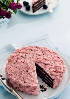 Opskrift på Chokoladekage med brombærcreme fra - Hjemmet