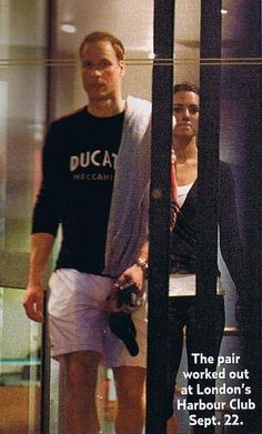 This is an image of Prince William and Kate Middleton leaving London's Harbour Club after they worked out together. William Kate, Prince George Alexander Louis, Prince William And Catherine, Estilo Kate Middleton, Kate Middleton Outfits, Kate Middleton Style, Duchesse Kate, Princesa Kate Middleton, Herzogin Von Cambridge