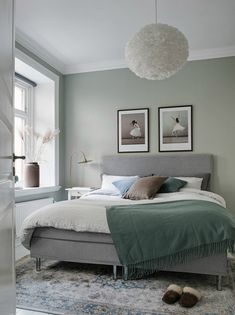 45 Best Ideas For One Bedroom Apartment Design – Room Decor Bedroom Green, Green Rooms, Bedroom Colors, One Bedroom Apartment, Apartment Design, Home Decor Bedroom, Bedroom Ideas, Bedroom Inspiration, Apartment Ideas