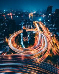 Use this 3 day Guangzhou itinerary to plan your trip to Guangzhou, China. This itinerary will help you plan the perfect 3 days in Guangzhou. Wallpaper Gratis, Wallpaper Free, Wallpaper Desktop, Photo Wallpaper, Iphone Wallpapers, Live Wallpapers, Exposure Photography, Urban Photography, Aerial Photography