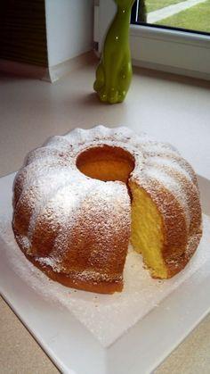Pyszna i lekka babka serowa Polish Desserts, Polish Recipes, Polish Food, Sweet Recipes, Cake Recipes, Dessert Recipes, Easy Blueberry Muffins, Different Cakes, Pumpkin Cheesecake