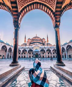 Sultan Ahmed Mosque - Blue Mosque // Photography by Айгу. - Guzi de - - Sultan Ahmed Mosque - Blue Mosque // Photography by Айгу. Blue Mosque Istanbul, Sultan Ahmed Mosque, Places To Travel, Places To Visit, Istanbul Travel, Beautiful Mosques, Islamic Architecture, Turkey Travel, Hagia Sophia
