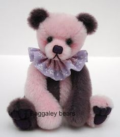 Miniature Artist Bears By Vicki Of Baggaley Bears 3 Bears, Bare Bears, Teddy Bears, U Shaped Pillow, Warm Fuzzies, Child Love, Old Movies, Tea Party, Panda