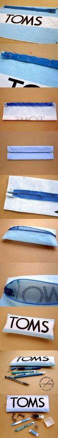 Free tutorial: Make a Toms flag zippered pouch.  Gah, I want to make this now!