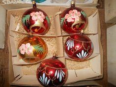 BAŇKY STARÉ -RŮZNÉ,SNĚHULÁCI,KOULE atd.atd. - obrázek číslo 12 Christmas Bulbs, Holiday Decor, Home Decor, Decoration Home, Christmas Light Bulbs, Room Decor, Interior Decorating
