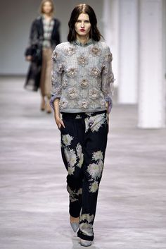 Dries Van Noten Spring 2013 Ready-to-Wear Fashion Show