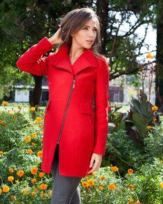 МОДЕН ХИТ - червено дамско палто според последните модни тенденции на 2015/2016 от Ефреа http://efrea.com/items/view/13161/ #efrea #red #fashion #hot #winter2016