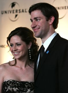 Jenna and John here rather than Jim and Pam. My gosh they look just so amazing and PERFECT together! I say the best (tv) couple in history!