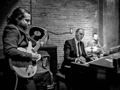 Hoje sábado 22h #show do #hammondgrooves #organtrio @ @jazzbclub #hammond #guitarra #bateria #hammondorgan #lesliespeaker #guitar #drums #hammondb3 #souljazz #jazz #groove #sonsdobrasil #musica #musicaaovivo #musicabrasileira #jazztrio #jazzorgan #organjazz #musiclife #musiclover #instagood #jazzlover #jazzclub #sampa #night