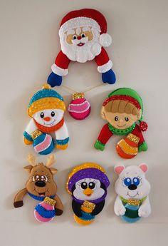 Homemade Christmas Decorations, Christmas Ornament Crafts, Felt Decorations, Felt Crafts, Christmas Crafts, Mary Christmas, Disney Christmas, Christmas Signs, Christmas Themes