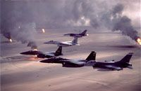 On US air war started in Iraq. USAF Fighter Wing fly over Kuwaiti oil wells set on fire by retreating Iraqi soldiers. Military Jets, Military Aircraft, Military Force, Fighter Aircraft, Fighter Jets, Air Fighter, Photo Avion, Iraqi Army, Historia