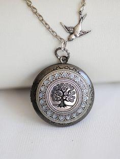 Tree of life,Silver Locket,Locket,Leaf,Tree,Bird,Antique Locket,Filigree Leaf,Locket Necklace,Wedding Necklace