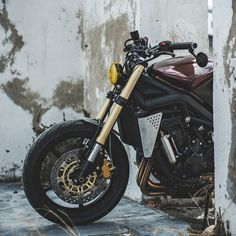 Street Triple R Cafe Racer Amatmotorco