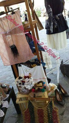Dettagli vetrina #viamilano52 #sabinanosmokingsibijou bijoux ed abbigliamento
