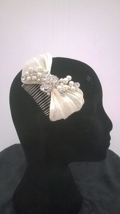 Hey, I found this really awesome Etsy listing at https://www.etsy.com/listing/212051157/bridal-fascinator-headpiece-silk-bow