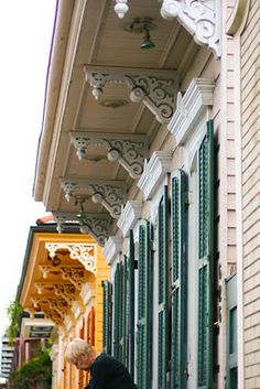 corbel/brackets on creole cottages, New Orleans