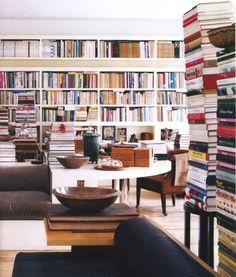 Richard Meier #room #books #windowseat #bookshelf #library