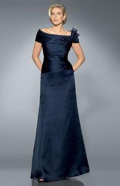 (Foto 1 de 16) Vestidos para la Madre de la Novia, Galeria de fotos de La madre de la novia: Pronovias propone unos diseños muy elegantes