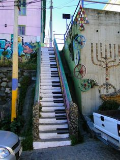 Love the piano stairs. A great example of street art. Love the piano stairs. A great example of street art. Love the piano stairs. A great example of street art. Graffiti Kunst, Graffiti Artwork, Street Art Graffiti, 3d Street Art, Graffiti Quotes, Street Art Utopia, Graffiti Wallpaper, Murals Street Art, Graffiti Artists