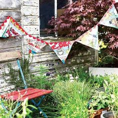 Learn how to make vintage bunting. Selvedge Magazine is an independent textile publication. Visit www.selvedge.org to subscribe to the magazine, enter a competition, read our daily blog, make a craft project or find textile workshops & events.