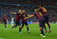 Andres Iniesta and Lionel Messi of Barcelona congratulate Ivan Rakitic after his opening goal during the UEFA Champions League Final between Juventus and FC Barcelona at Olympiastadion on June 2015 in Berlin, Germany. Fc Barcelona, Barcelona Futbol Club, Messi Pictures, Messi Photos, Messi 2015, La Champions League, Professional Football, Lionel Messi, Football Players