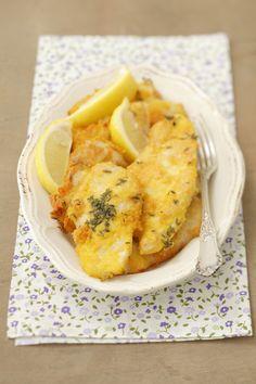 Il pollo allo zafferano è un secondo piatto di carne realizzato con petto di pollo racchiuso in una crosta croccante: ecco la ricetta.