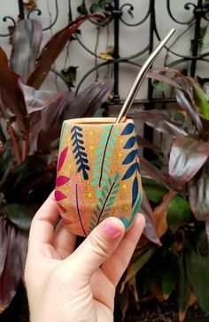 Painted Flower Pots, Painted Pots, Posca, Pottery Painting, Decoupage, My Design, Projects To Try, Arts And Crafts, Gifts