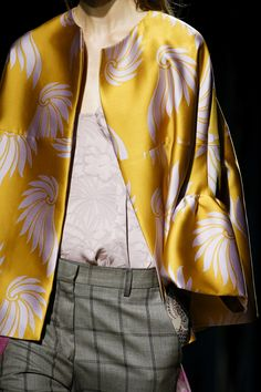 d7061bcd1dba10 Défilé Dries Van Noten Printemps-été 2016 Runway Fashion