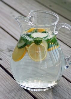 Lemon, Cucumber and mint water infused waters from green blender