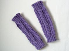 Säärystimet palmikkoneuleella   Yhteishyvä Knitting Ideas, Crochet, Ganchillo, Crocheting, Knits, Chrochet, Quilts
