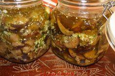 La cocina de mi abuelo: Berenjenas en conserva de aceite. Salty Foods, Eggplant Recipes, Chutney, Sin Gluten, Italian Recipes, Low Carb Recipes, Cucumber, Tapas, Food And Drink