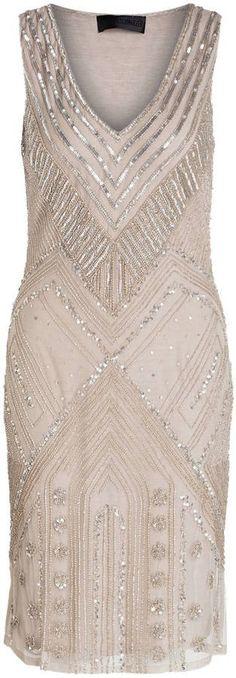 Pin for Later: Die schönsten Flapper-Kleider für jede Figur  Barbara Schwarzer Flapperkleid mit Paillettenbesatz in grau (450 €)
