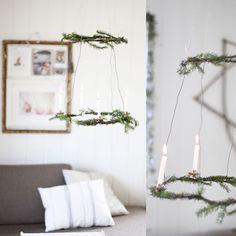 이미지 출처 http://glitterinc.com/wp-content/uploads/2015/12/DIY-Natural-Wreath-Chandelier-for-the-Holidays.jpg