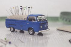DIY Vintage Transporter Pin Cushion // Nadelkissen aus Vintage Transporter                                                                                                                                                                                 More