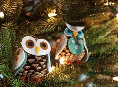 Pinecone Owls | 10 Adorable DIY Ornaments For Your Holiday Tree