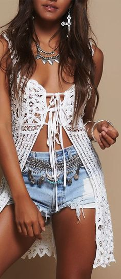 Being a Bohemian Goddess: How to Wear The Boho-Chic Fashion - Page 3 of 7 - Trend To Wear Boho Chique, Look Boho Chic, Modern Hippie Style, Casual Chique, Bohemian Style, Bohemian Gypsy, Bohemian Clothing, Latest Fashion For Women, Trendy Fashion
