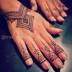 Ff – Fatma Meric – Willkommen bei Pin World Henna Hand Designs, Modern Mehndi Designs, Beautiful Henna Designs, Henna Tattoo Designs, Henna Tattoo Hand, Henna Tattoos, Simple Henna Tattoo, Finger Henna, Morrocan Henna