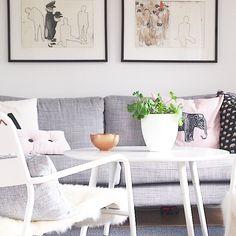 Livingroom vardagsrum soffa soffbord svenskt tenn tavla ta lor