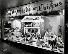 Christmas Windows, Old Time Christmas, Ghost Of Christmas Past, Old Fashioned Christmas, Christmas Store, Christmas Scenes, The Night Before Christmas, Retro Christmas, Christmas Shopping