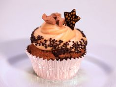 Banana Toffee Cupcakes : Mixed in a cinnamon-toffee batter, ripe banana puree and creamy buttermilk make these cupcakes especially moist, while a dulce de leche filling and caramel cream cheese frosting add extra sweetness.
