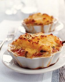 Transform shepherd's pie into an elegant dish fit for company by substituting lobster for the traditional ground beef or lamb. The individual mashed potato-topped pies can be baked in fluted ramekins, shallow ovenproof casseroles, or even Pyrex bowls. Fish Dishes, Seafood Dishes, Fish And Seafood, Seafood Pot Pie, Lobster Dishes, Seafood Pasta, Lobster Recipes, Seafood Recipes, Red Lobster Deviled Crab Recipe