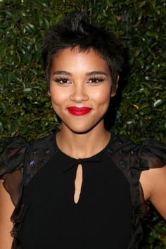 Alexandra Shipp Spiked Hair - Alexandra Shipp rocked spiked hair at the Max Mara Face of the Future event.